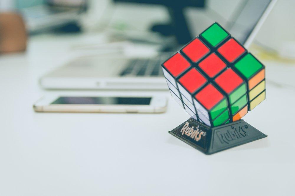 Välj Rubiks kub istället för skärmarna