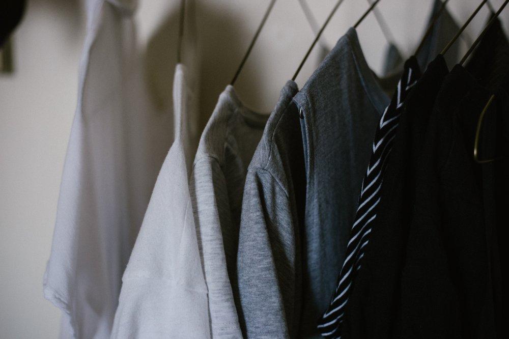 Med kartläggning och tryckknappar som gör gamla plagg användbara igen kan du uppdatera garderoben nästintill gratis